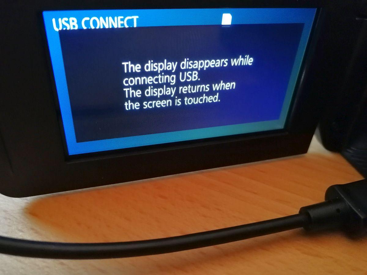 Das Display geht aus bei einer PC-Verbindung