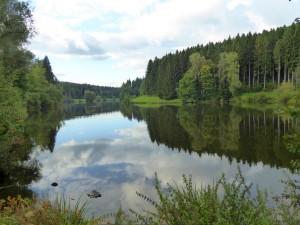 Schöne Seen sind ein Highlight auf jeder Radtour