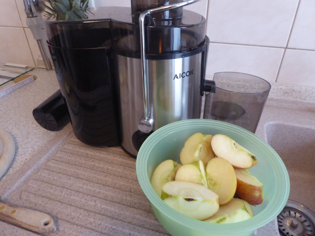 Äpfel vor Entsafter