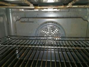 Backofen reinigen mit Hausmitteln - Mit Backpulver, Zitronensaft ...