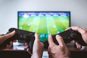Gaming vor dem OLED-Fernseher