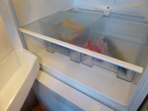 Transparente Box im Gefrierraum