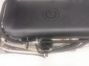 Pedelec mit Heckmotor und Batterie