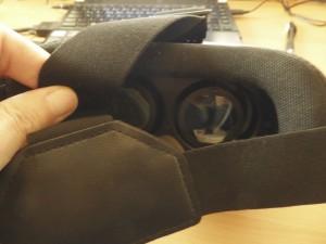 Scharfe Linsen und Polsterung der VR-Brille