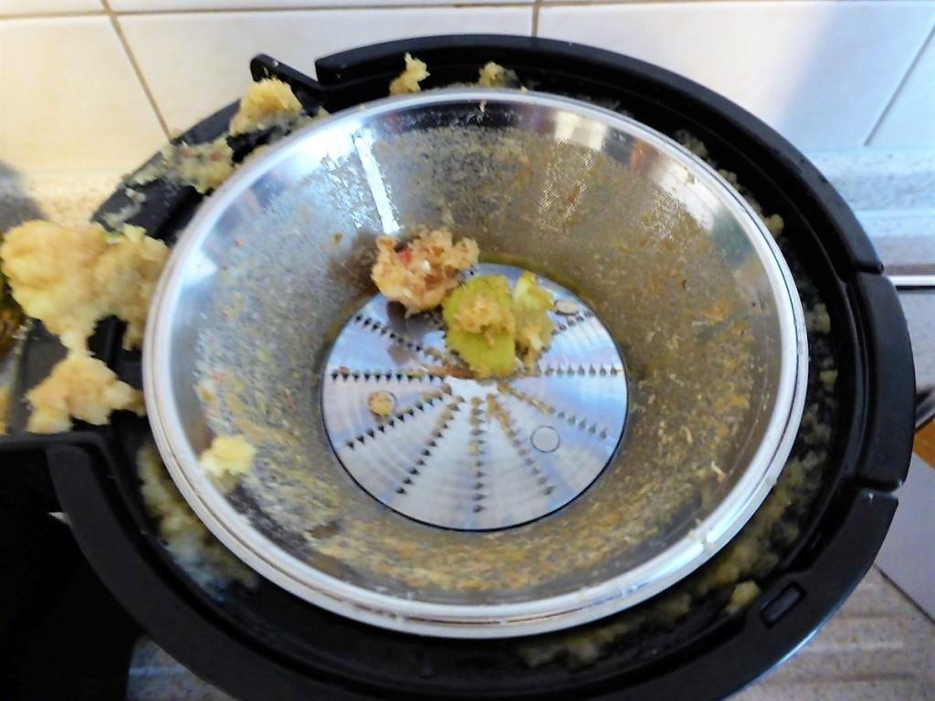 So sieht die Zentrifuge nach dem Apfelsaft aus