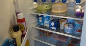 Kühlschrank frisch abgetaut und gefüllt