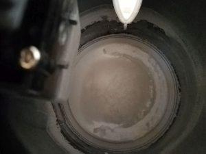 verkalkter Kochbehälter innen