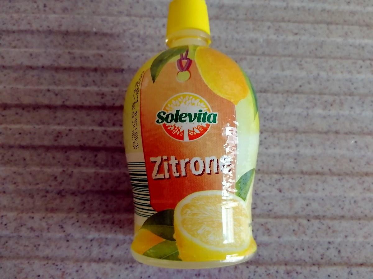 Zitronenkonzentrat Flasche